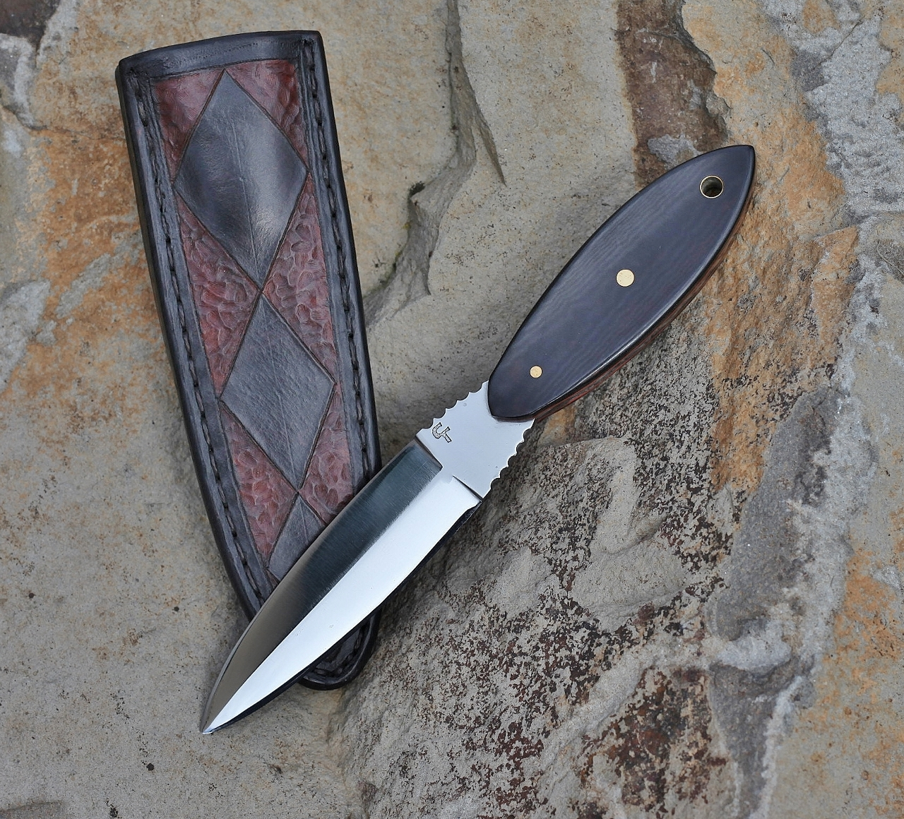 Two edged boot knife, linen micarta